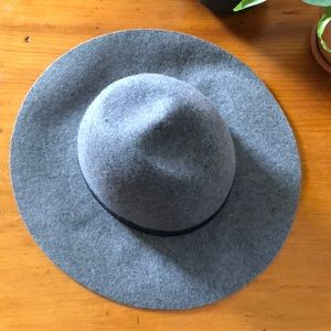 NWOT Isaac Mizrahi wool hat, never worn.